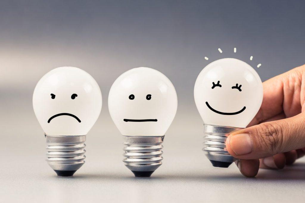 badanie satysfakcji i lojalności, wybór pomiędzy krytykami, neutralnymi i promotorami